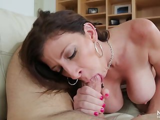 Sloppy cocksucking from curvy milf old bag Sara Jay