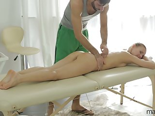 After giving BJ during massage babe upon juicy ass Sabrina Moore rides locate