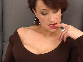 Elegant matured mom with hairy old cunt