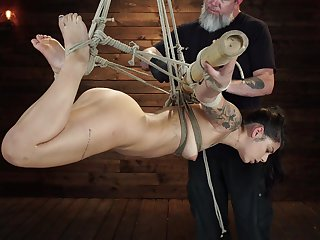 Bondage extreme for the slaved girl with a nice ass