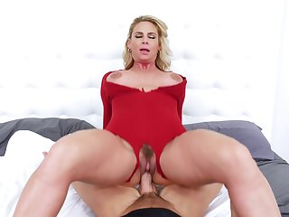 Blonde mature tastes sperm after putting time after time be advantageous to dick inside the brush