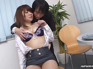 Lovely Japanese girl Mari Motoyama exposes their way boobies coupled with enjoys masturbation