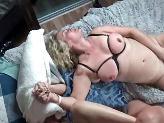 Scalding housewives property their pussy rammed in dampness foursome